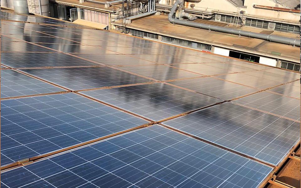 Pannello fotovoltaico pulito